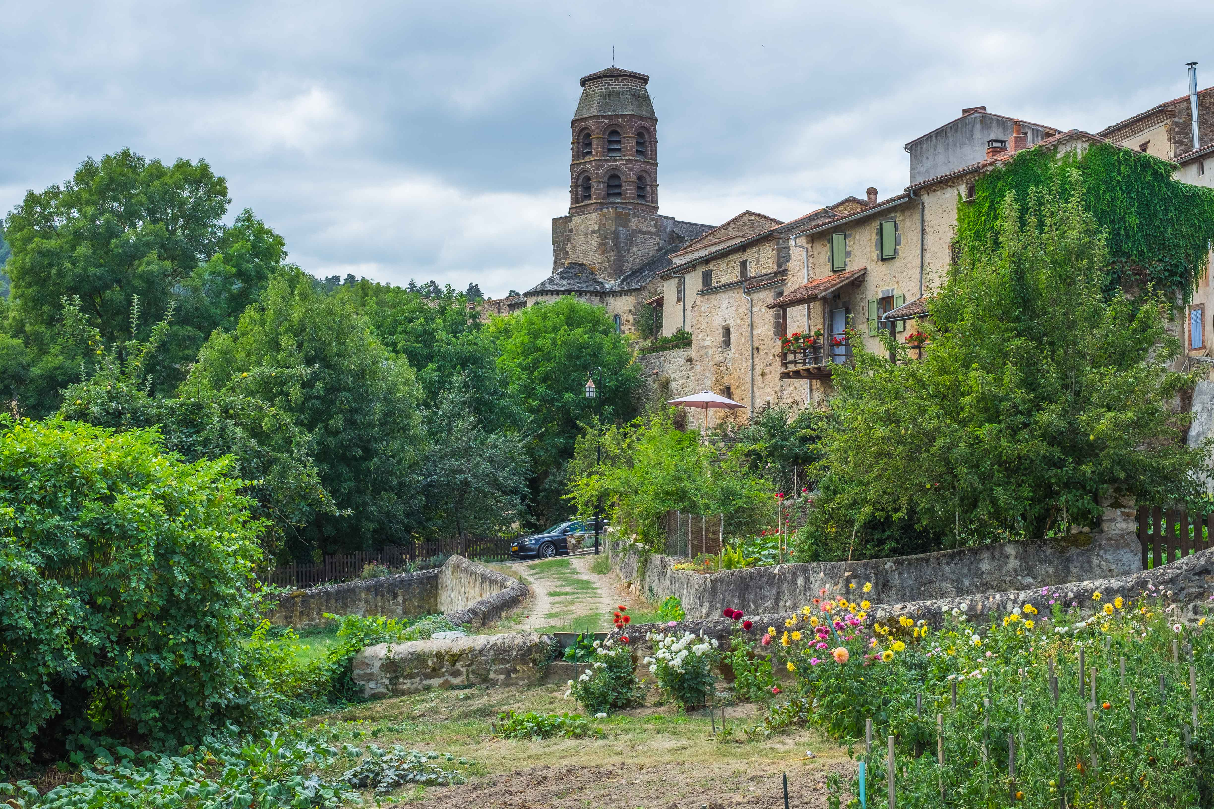 my top 10 most beautiful villages in the deep heart of france deep heart of france. Black Bedroom Furniture Sets. Home Design Ideas